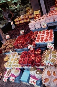 果物 桃 梨 メロン マンゴーの写真素材 [FYI02815312]