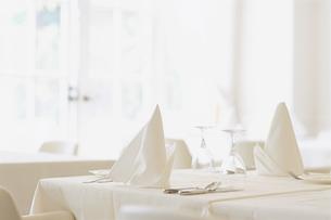 レストランのテーブルの写真素材 [FYI02815790]