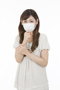 マスクをした中高年女性の写真素材 [FYI02815841]
