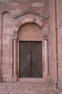 建物・インテリア 建物入り口の写真素材 [FYI02816436]