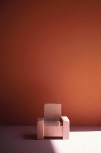 椅子のオブジェの写真素材 [FYI02816459]