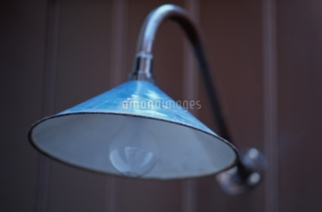 屋内 電灯の写真素材 [FYI02816719]
