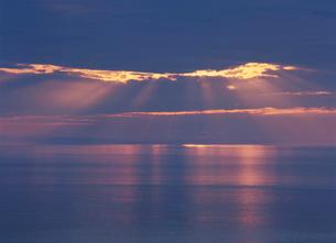 オホーツク海の夕景の写真素材 [FYI02817216]