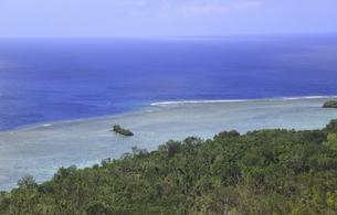 上空から見たパラオのブルーコーナーの海域の写真素材 [FYI02817998]