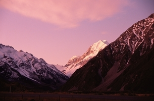 山並みと空の写真素材 [FYI02818115]
