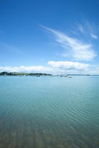 青い海とヨットの写真素材 [FYI02818695]