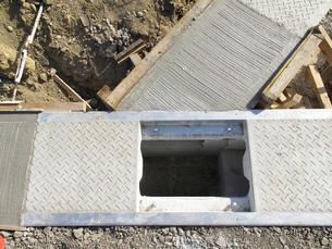 住宅地の外構工事の写真素材 [FYI02821314]