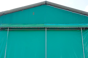 テント倉庫の写真素材 [FYI02821389]