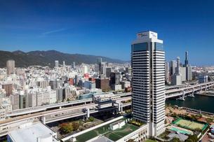 ポートタワーより望む神戸市街の写真素材 [FYI02821928]