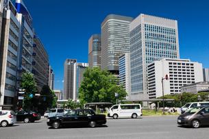 中之島のビル街と御堂筋の写真素材 [FYI02821949]