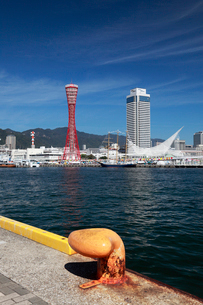 神戸港とメリケンパークの写真素材 [FYI02822108]