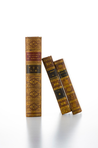 三冊の古書の写真素材 [FYI02822561]