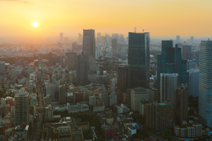 都心の夕景(東京タワーより西を見る)の写真素材 [FYI02823035]
