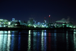 コンビナートは工業地帯の写真素材 [FYI02823153]