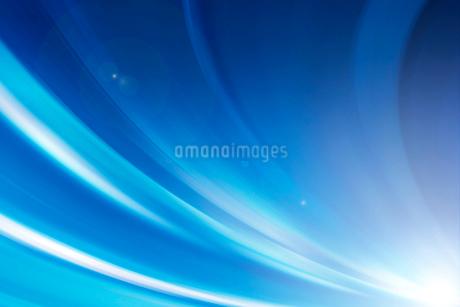 光るラインのスピード感のある背景素材の写真素材 [FYI02823439]