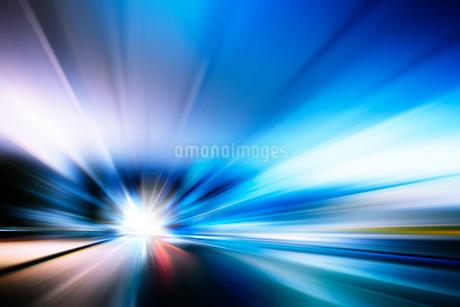 光線の背景素材のイラスト素材 [FYI02823519]