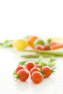 トマトと野菜の写真素材 [FYI02824044]