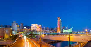 夕暮れの神戸メリケンパーク (X'Mas電飾)の写真素材 [FYI02824376]