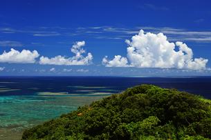 遠見台からの眺め 大神島の写真素材 [FYI02824546]
