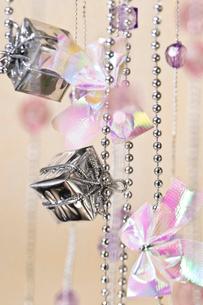 プレゼントボックスの飾りの写真素材 [FYI02824579]