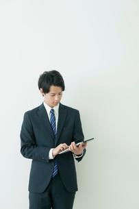 一人のビジネスマンの写真素材 [FYI02824795]