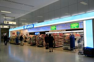 ローソン 羽田空港第1ターミナルノースの写真素材 [FYI02824832]