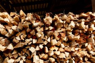 積まれた薪の写真素材 [FYI02825013]