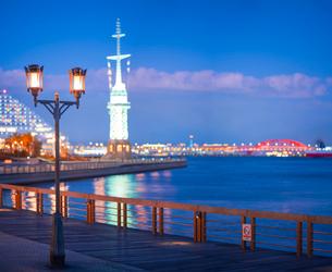 夕暮れの神戸港の写真素材 [FYI02825178]