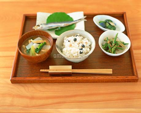 和食の朝食イメージの写真素材 [FYI02825362]