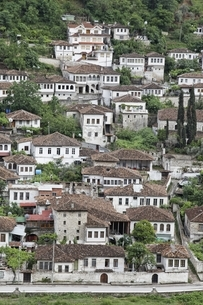 Gorica Neighborhood, houses, Berat, Albaniaの写真素材 [FYI02826533]