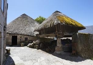horreo, Piornedo de Ancares, Los Ancaresの写真素材 [FYI02826580]