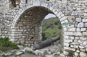 Kalaja Neighborhood, 'Castle', fortifications, cannonの写真素材 [FYI02826837]