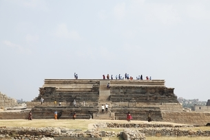 Royal Centre; Mahanavami Dibba (pyramidal stone platform)の写真素材 [FYI02826899]