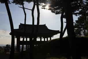 pavilion, Busosanseong Fortress, Buyeo, Koreaの写真素材 [FYI02826994]