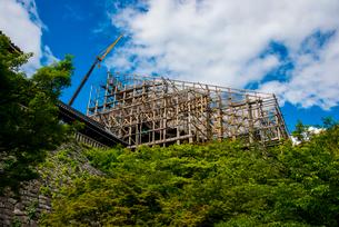 清水寺清水の舞台修復工事の写真素材 [FYI02827015]