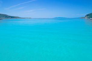 竜ヶ浜の柏島ブルーの水面の写真素材 [FYI02829100]