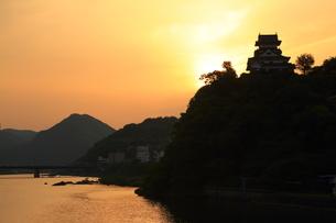 犬山城の夜明の写真素材 [FYI02830871]