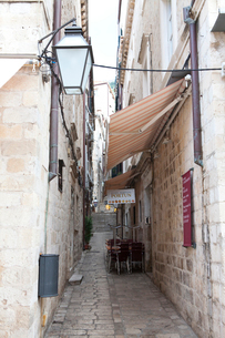 旧市街石畳の小路の写真素材 [FYI02830950]