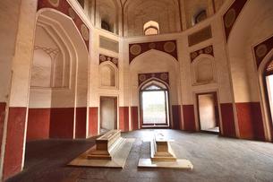 ムガール朝の第2代皇帝フマユーンの霊廟(摸棺)の写真素材 [FYI02831157]