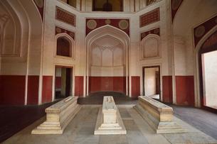 ムガール朝の第2代皇帝フマユーンの霊廟(摸棺)の写真素材 [FYI02831702]