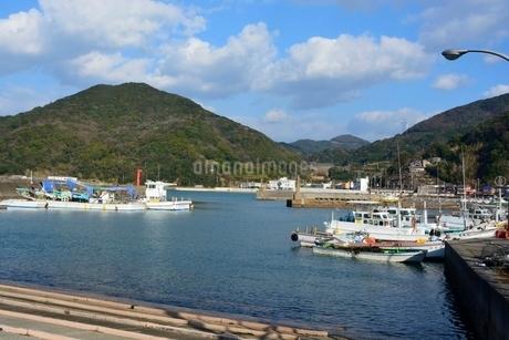 和歌山,衣奈漁港の写真素材 [FYI02831961]