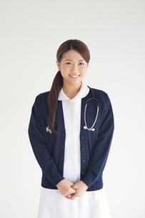 笑顔の看護師の写真素材 [FYI02832047]