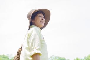 笑顔のシニア女性の写真素材 [FYI02832396]