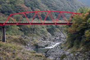 飛騨川の飛水峡の写真素材 [FYI02832627]