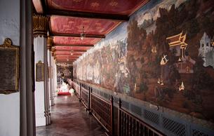 王宮 回廊壁画のラーマキエン物語の写真素材 [FYI02832750]