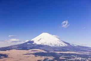 芦ノ湖スカイラインより望む富士山の写真素材 [FYI02832898]