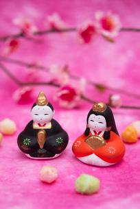 雛人形と桃の花,ひなあられの写真素材 [FYI02832981]