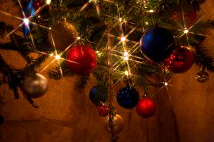 ファルケンブルグの洞窟クリスマスマーケットの飾りの写真素材 [FYI02832986]