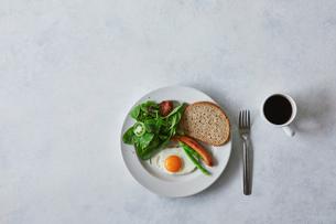 朝食とコーヒーの写真素材 [FYI02833376]