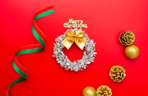 クリスマスのオーナメントの写真素材 [FYI02833385]